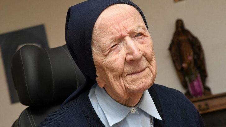 'Avrupa'nın en yaşlı insanı' rahibe Lucile Randon, Kovid-19'u yendi