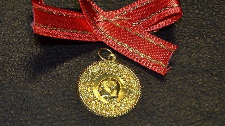 Gram altın, çeyrek altın ne kadar? 9 Şubat Kapalıçarşı'da kapanışta altın fiyatları ne kadar? Altın fiyatları düşecek mi yükselecek mi?