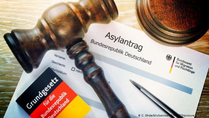 Türkiye'den iltica başvurularının yarısı kabul edildi