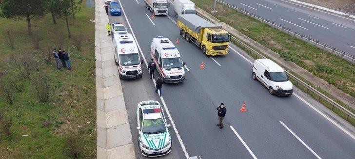 TEM otoyolunda iki kamyonet çarpıştı: 1 ağır yaralı