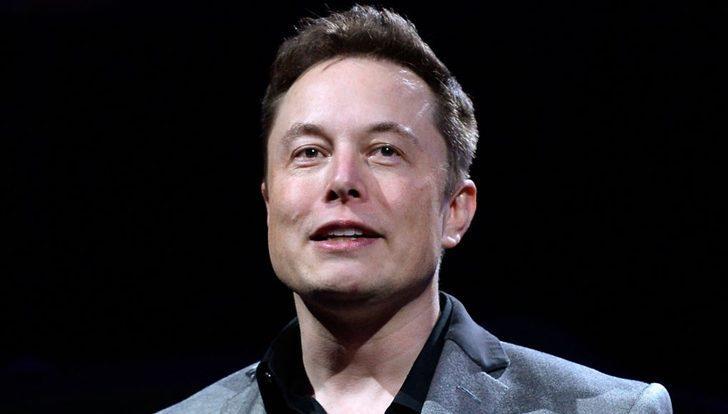 Elon Musk uçan Tesla Roadster'ı istiyor!