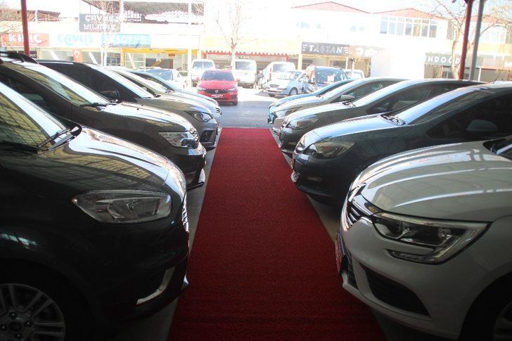 İkinci el araç piyasasında düşüş sürüyor! İkinci el araba fiyatları düşüyor mu? İşte son durum
