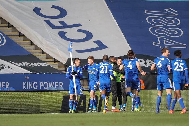 Leicester City, sahasında Crystal Palace'ı 2 golle geçti