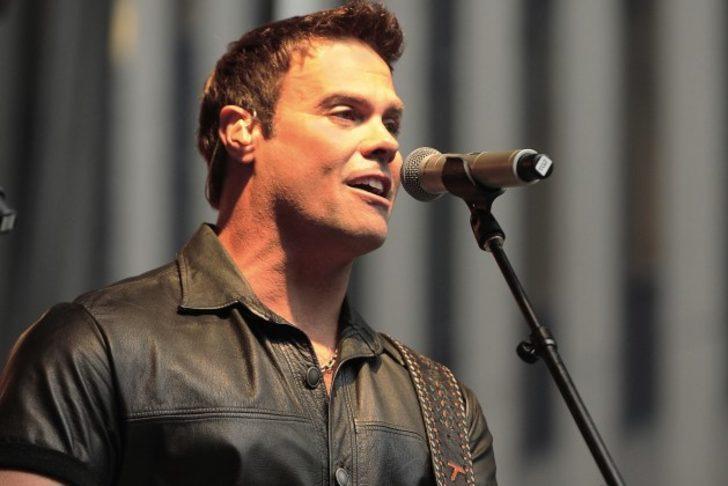Ünlü şarkıcı Troy Gentry helikopter kazasında hayatını kaybetti
