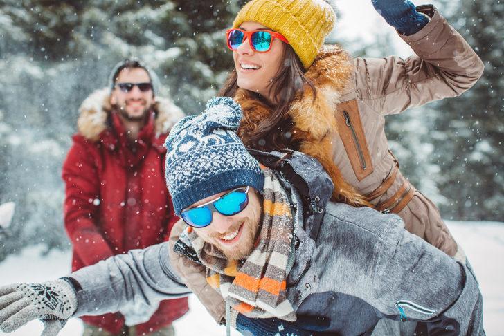 Güneş gözlüğü kar körlüğüne karşı koruyucunuz olacak