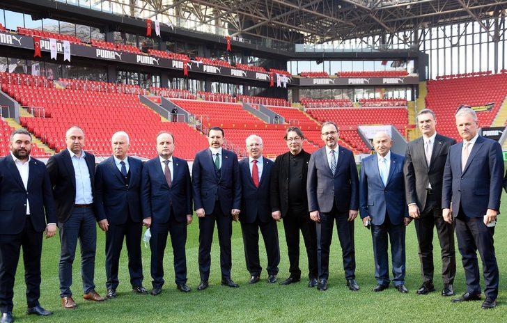 Göztepe Gürsel Aksel Stadı'na görkemli açılış
