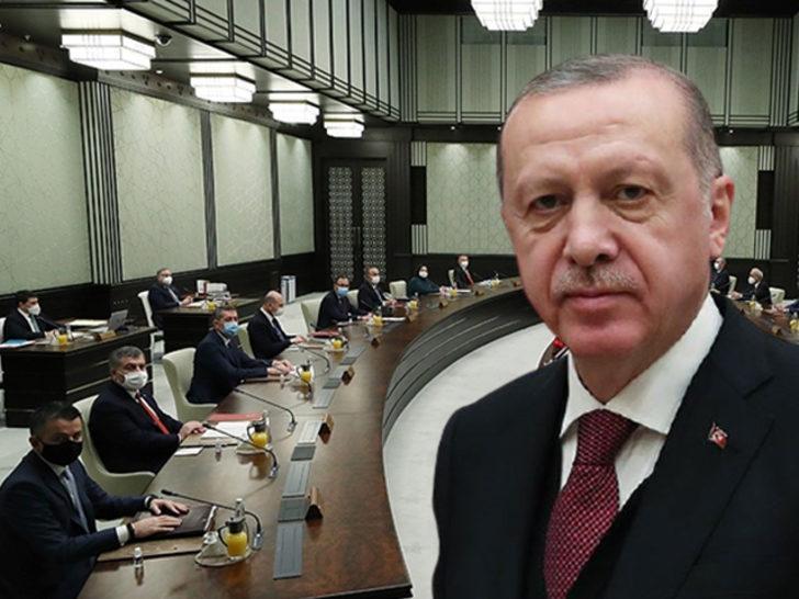 Cumhurbaşkanı Erdoğan 'AK Parti yönetimi ve kabinede değişikliğe gidiyor' iddiası
