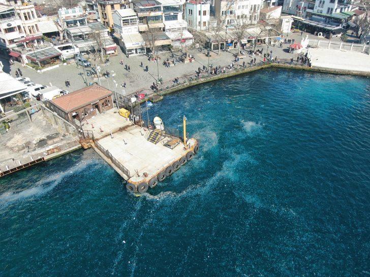 İstanbul'da şaşırtan görüntü: Denizin rengi beyaza döndü