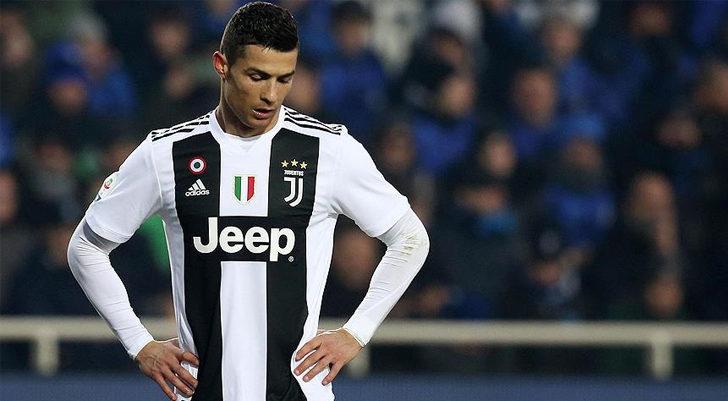 Cristiano Ronaldo, Juventus'tan ayrılıyor! PSG...