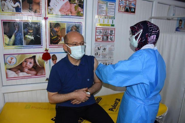 Başkan Özcan korona virüs aşısı oldu