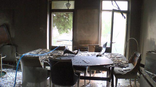 evi-yanan-cilgin-sedat-belediyenin-ayirdigi-bir-otelde-kaliyoruz_6483_dhaphoto2