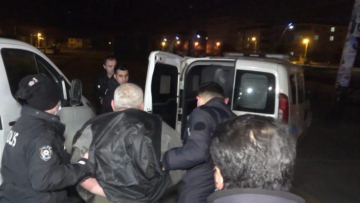 Polisin 'dur' ihtarına uymadı, trafikte dehşet saçtı: Araç lastiği patlatılarak durduruldu