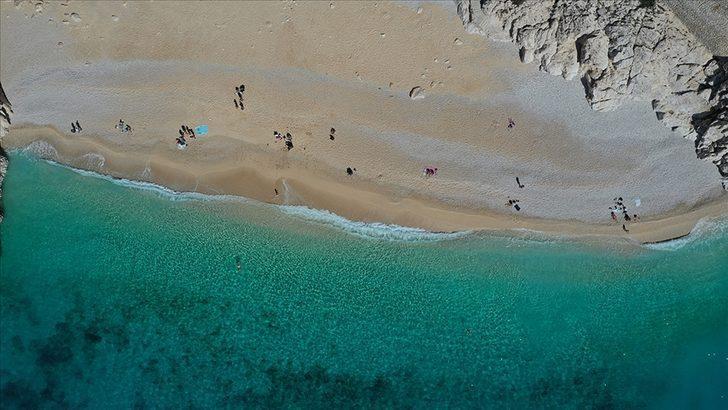 Kışın nerede denize girilir? Antalya'da deniz ve güneş keyfi! Türkiye'de kışın denize girilebilecek yerler