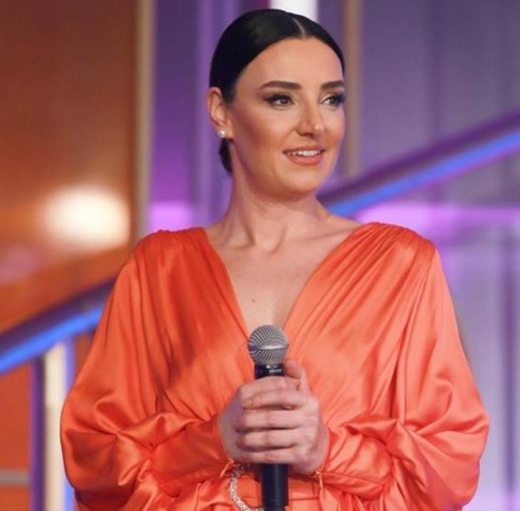 İbo Show'a katılan Sevcan Orhan'a beğeni yağdı