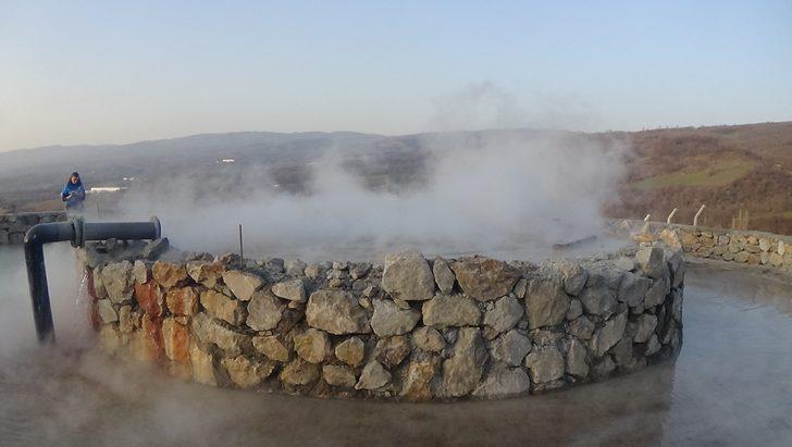 Bursa'da termal havuz soğuk havayı unutturuyor