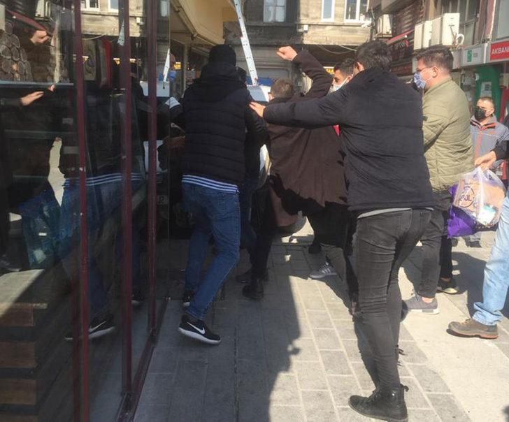 Karaköy'de kapkaççıyı vatandaşlar yakaladı