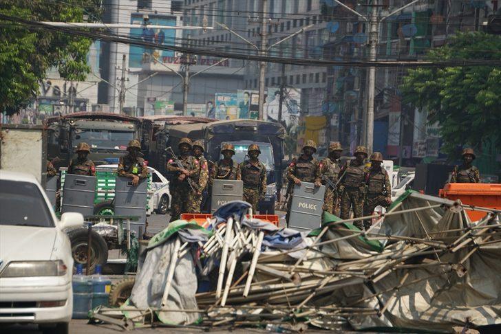 Myanmar'da darbe karşıtı protesto: En az 10 ölü