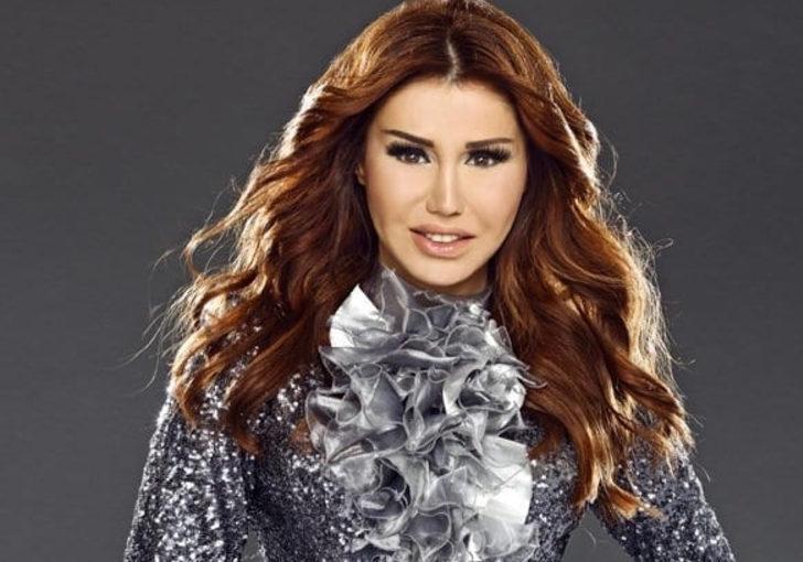 Şarkıcı Ceylan'ın son hali olay! 'Gülşen'e mi özendin?'