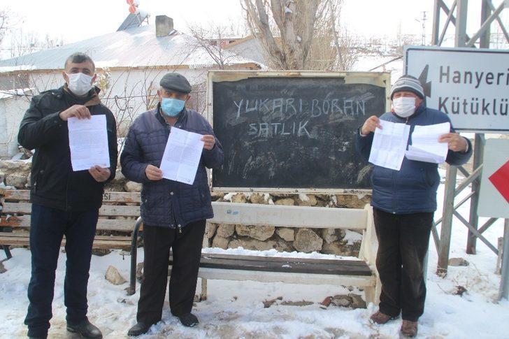 Kayseri'de gelen borçları gören vatandaşlar yaşadıkları mahalleyi satılığa çıkardı
