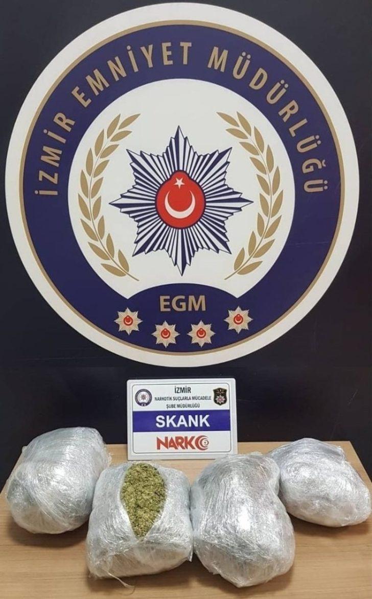 Araçtan 4 kilo 250 gram uyuşturucu madde çıktı