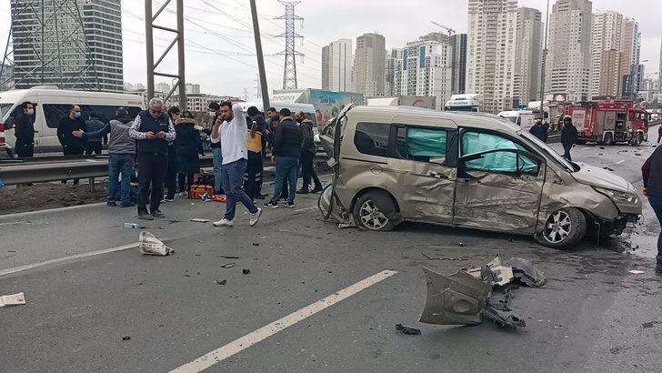 Son Dakika: TEM'de feci kaza! Savaş alanına döndü