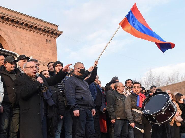 Son Dakika: Ermenistan muhalefetinden 'erken seçime' itiraz!