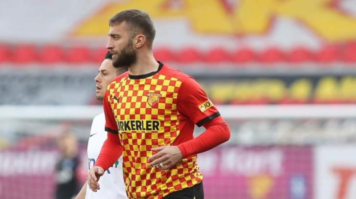 Alpaslan Öztürk kimdir, kaç yaşında ve hangi mevkiide oynuyor? 'Galatasaray'la anlaştı' iddiası