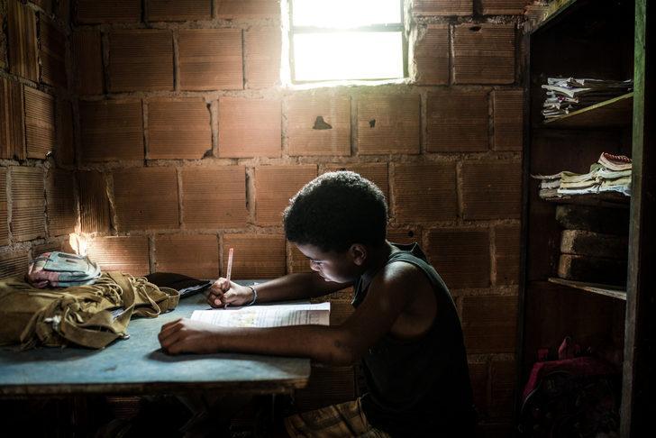 168 milyon çocuk bir yıldır okula gidemiyor!