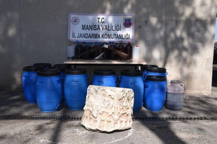 Manisa'da sahte içki operasyonunda tarihi eser ele geçirildi