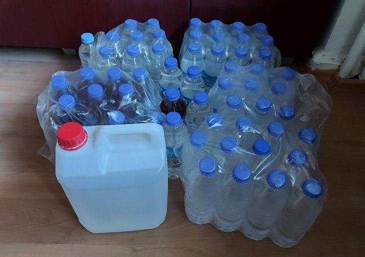 Yarım litrelik pet şişelerdeki sahte içkiler tüketilmeden ele geçirildi