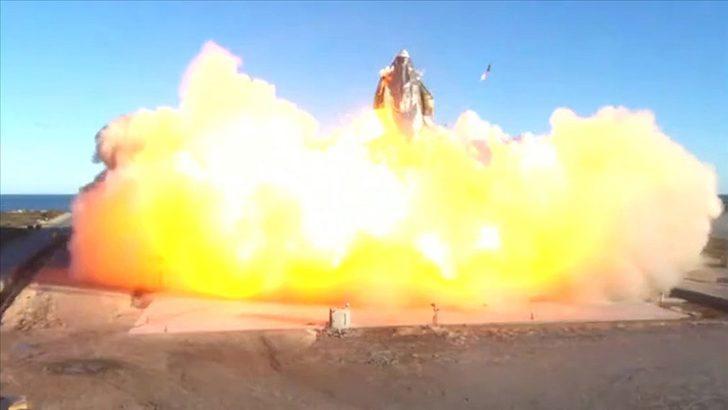 SpaceX'in Mars aracı Starship, deneme uçuşu sonrası yerde infilak etti
