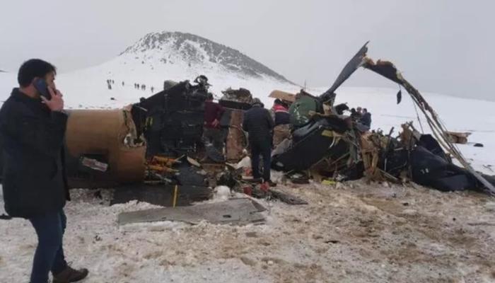 Son Dakika: Bitlis'te askeri helikopter düştü! 11 şehit (Kaza yerinden ilk görüntüler)