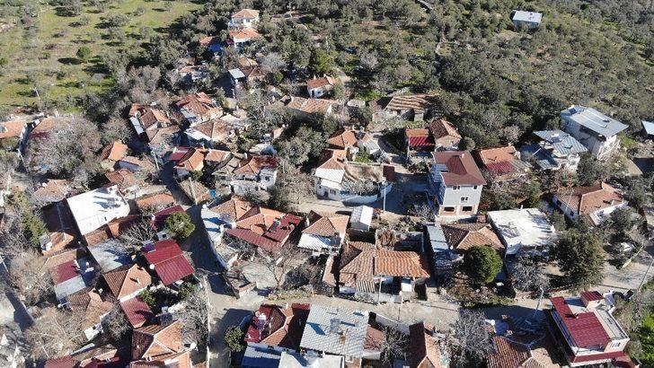 Kırmızı il Balıkesir'de tek mavi mahalle Hacıarslanlar!