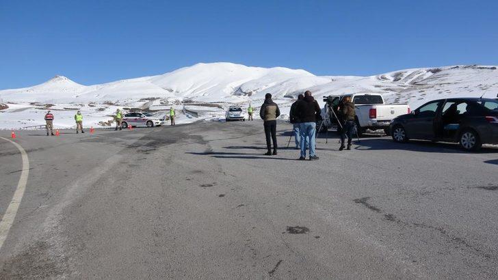 Bitlis'te helikopterin düştüğü köy giriş çıkışlara kapatıldı
