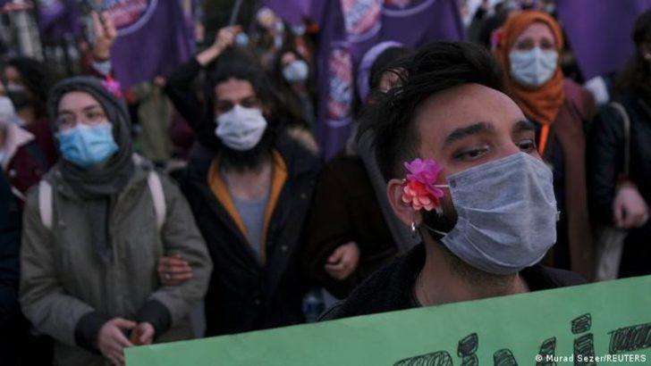 8 Mart eylemcileri adliyeye sevk edildi