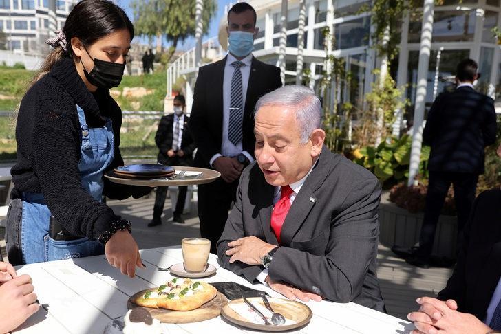 İsrail'de aşı olanlara lokanta, kafe ve etkinlik mekanları serbest