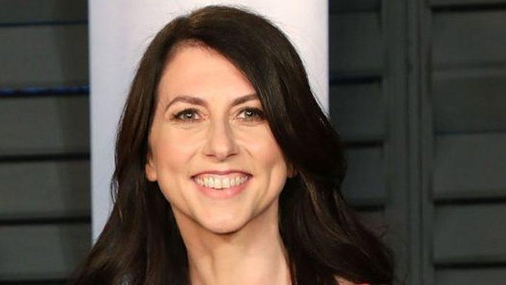 MacKenzie Scott: Amazon'un kurucusu Jeff Bezos'tan boşanan milyarder yazar, fen öğretmeni Dan Jewett'la evlendi