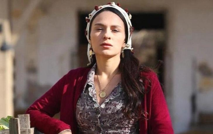 Koronavirüs tedavisi tamamlanan oyuncu Selin Yeninci taburcu oldu!
