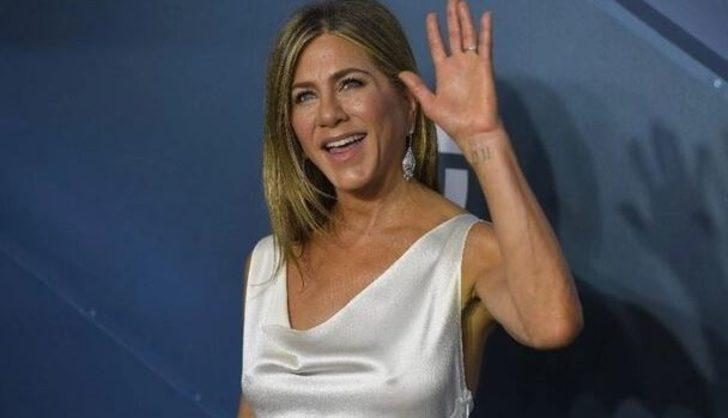 Jennifer Aniston, dövmesinin anlamını deşifre etti