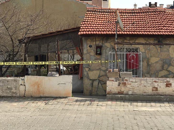 İzmir'de şüpheli ölüm: Yaşlı adam evinde ölü bulundu