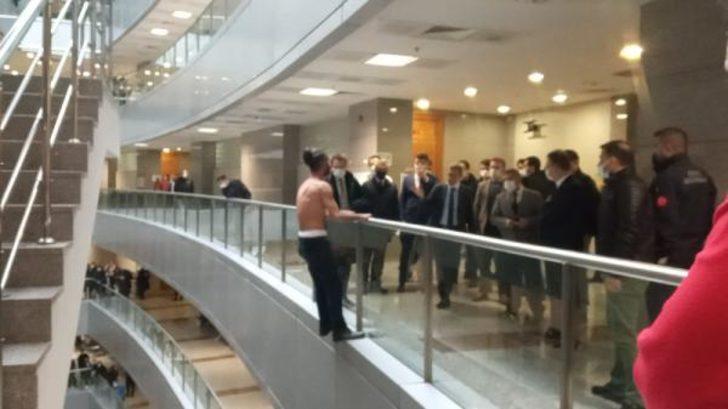 Son Dakika: İstanbul Adalet Sarayı'nda intihar girişimi
