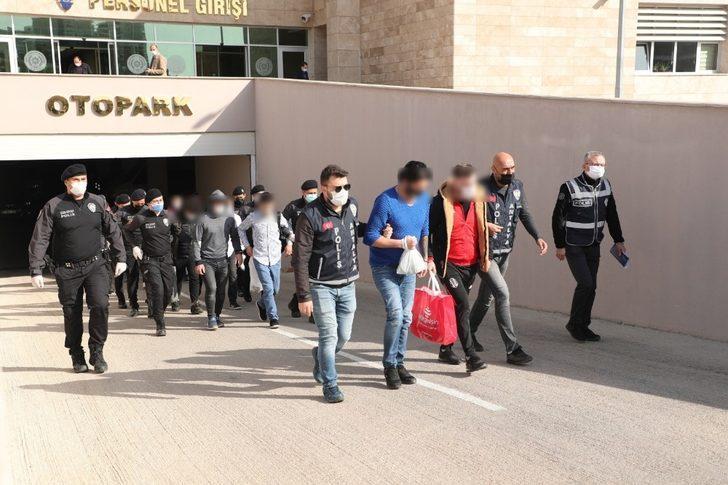 Antalya'da aranan 46 kişi yakalandı