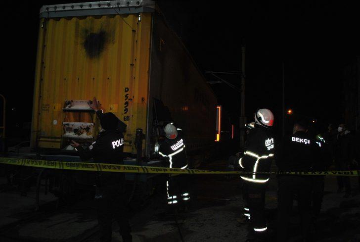 İhracat trenine kaçak binmek isteyen 2 mülteci akıma kapılarak yandı