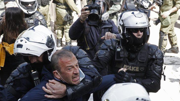 Yunanistan Başbakanı Miçotakis: 'Polis şiddetine maruz kalanlardan özür diliyorum'