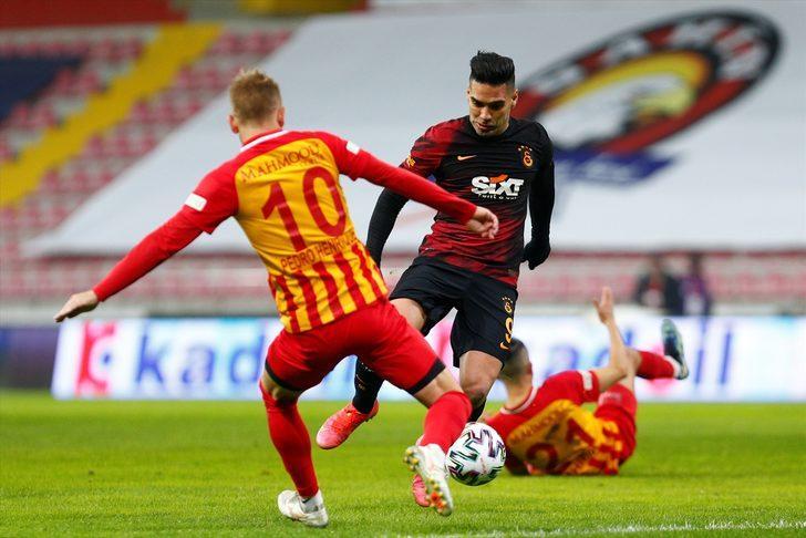 Galatasaraylı Radamel Falcao'ya Kolombiya'dan kötü haber