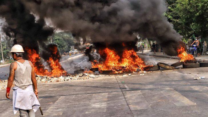 Myanmar'daki darbe karşıtı eylemlerde 'en az 38 kişi öldürüldü'