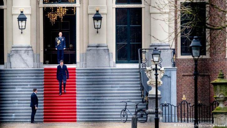 Hollanda'da seçim korona nedeniyle üç gün sürecek