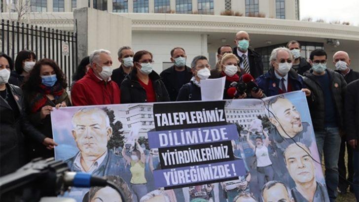 """Türkiye'de Sağlık Çalışanları """"Kutlama Yerine Hak"""" Talep Ediyor"""