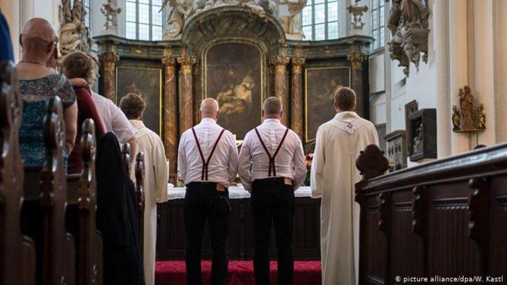 Eşcinsel çiftlerin kutsanması talebine Vatikan'dan ret