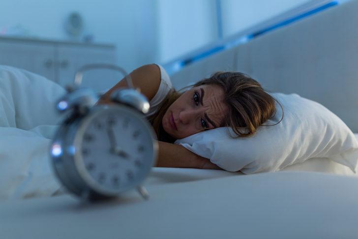 Uykusuz kalmanızın nedeni bu alışkanlıklarınız olabilir!